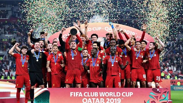 Liverpool levanta a taça de campeão mundial de clubes