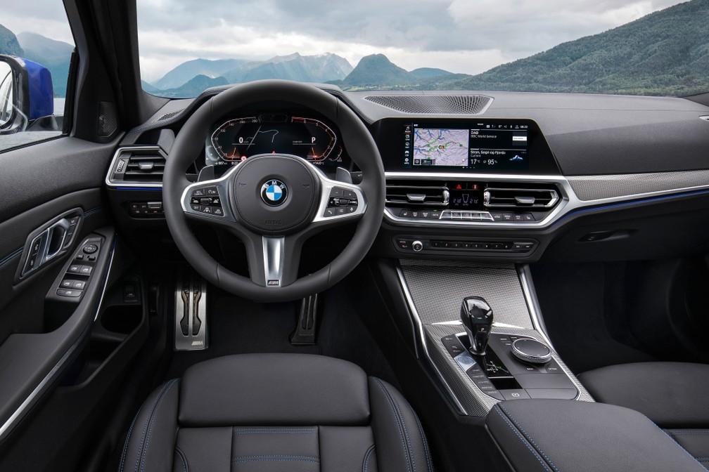 Interior do BMW Série 3 na versão 330i M Sport — Foto: Divulgação/BMW