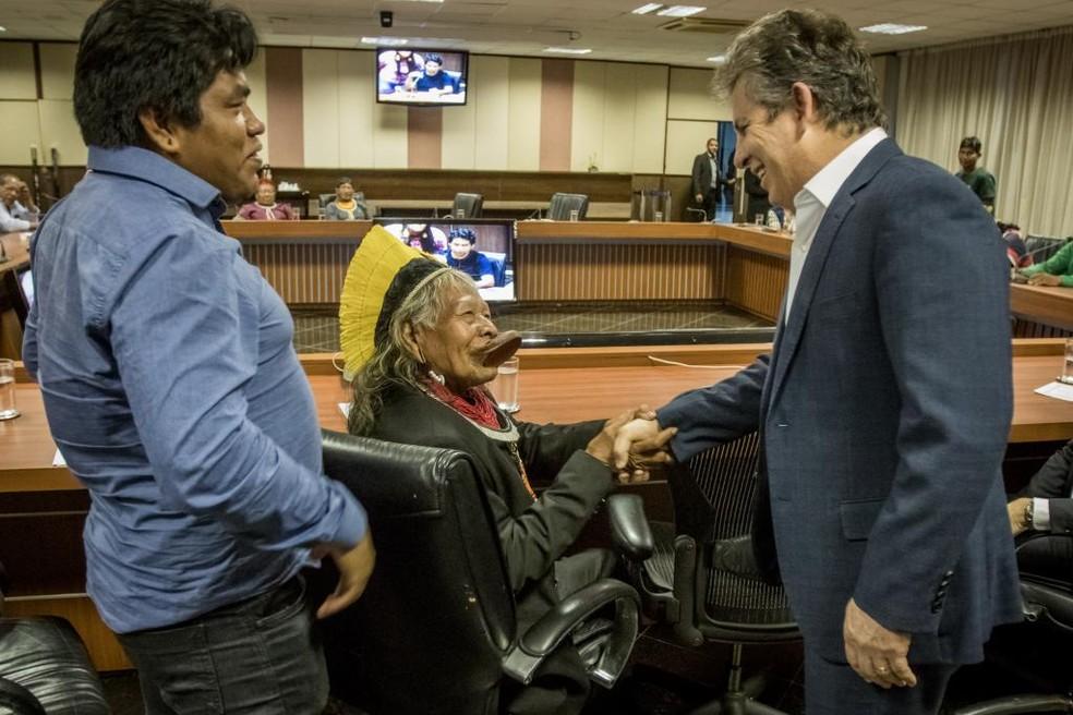 Índios Kayapó firmam acordo com o governo do estado — Foto: Christiano Antonucci/Gcom