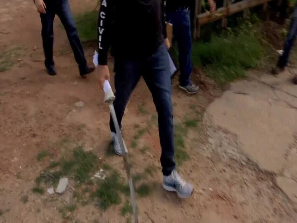 Ceará: Homem é assassinado a golpes de 'espada samurai' e a pedrada