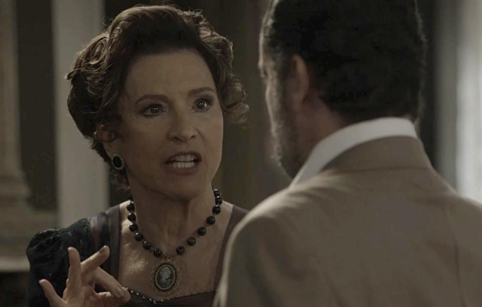 Lady Margareth quer colocar Elisabeta na cadeia (Foto: TV Globo)
