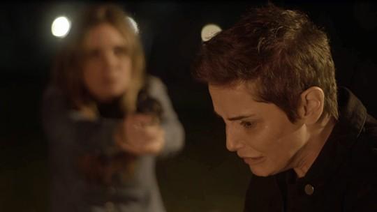 Reta Final: Laureta manda Karola atirar em Remy