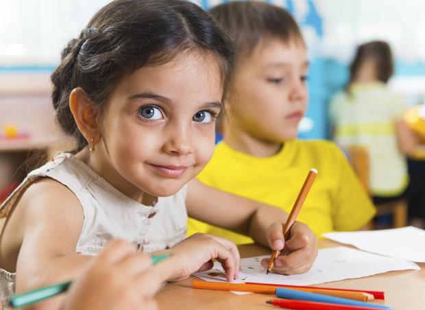 Escola; desenho; crianças (Foto: Thinkstock)