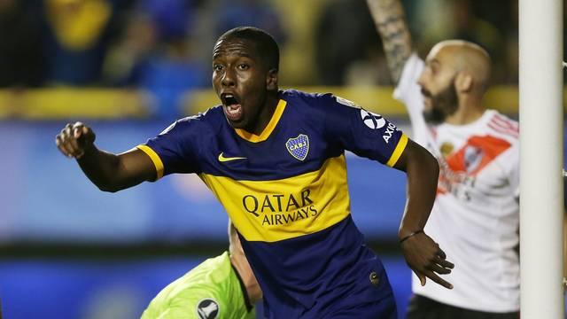 Hurtado comemora o único gol do jogo, que não foi suficiente para dar a classificação para o Boca