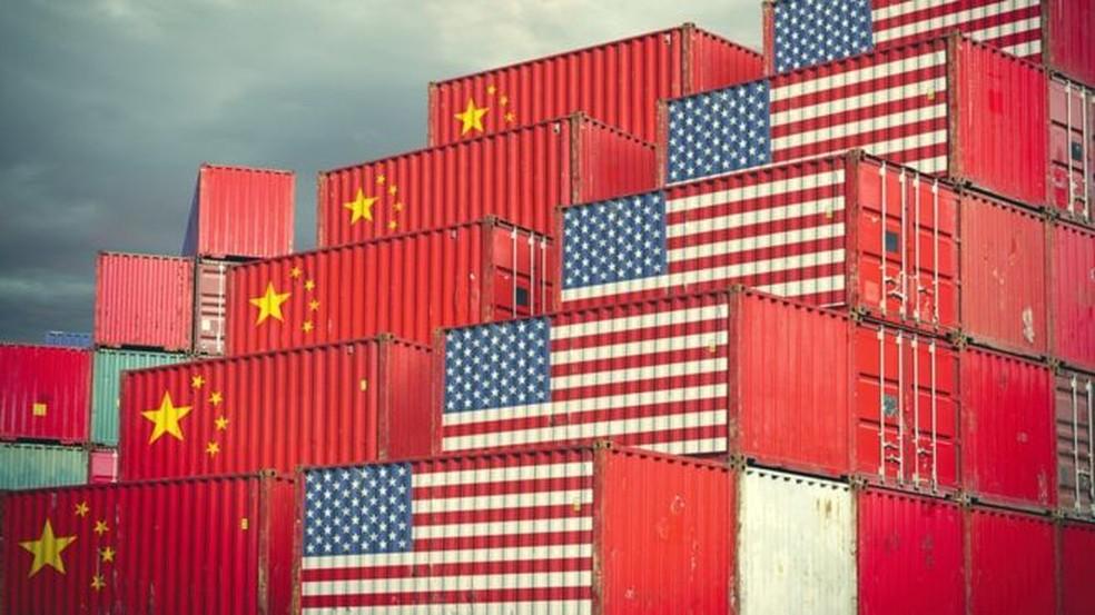 EUA e China continuam em tratativas para tentar interromper disputa comercial — Foto: GETTY IMAGES