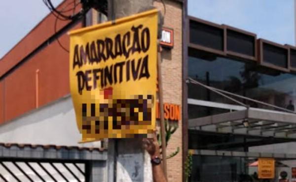 'Vidente do amor' é alvo de fiscalização e tem cartazes recolhidos das ruas de Santos, SP - Notícias - Plantão Diário