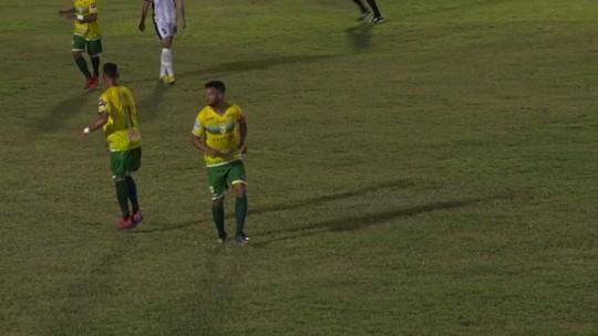 """Após deixar jogo com dores, Raphael Freitas aguarda exames, mas tranquiliza: """"Melhorou 50%"""""""