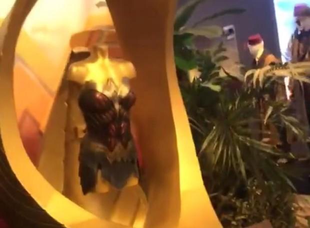 Emocionada, Maísa mostra os figurinos dos atores nos filmes da Warner Bros. (Foto: Instagram/ Reprodução)
