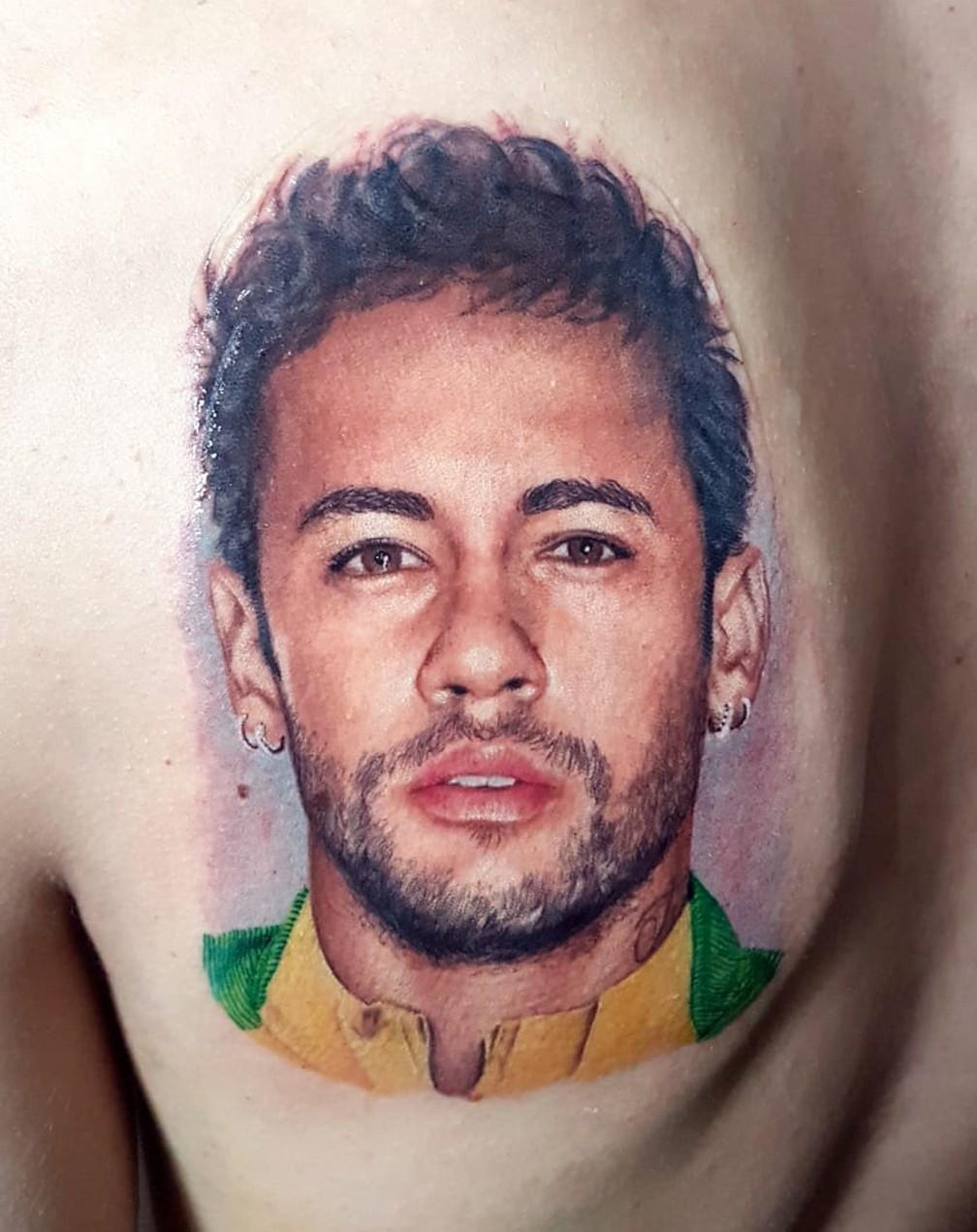 Rosto de Neymar tem 17 centímetros e foi tatuado nas costas de fã, morador de Nova Friburgo (Foto: Arquivo Pessoal/Rodrigo Catuaba)