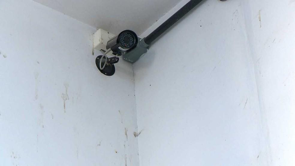 Sistema de monitoramento de delegacia em Santa Maria deve ajudar nas investigações (Foto: Reprodução/RBS TV)