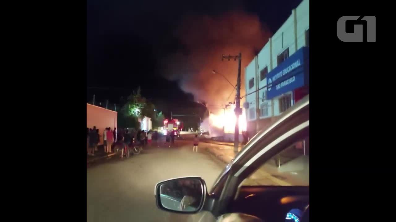 Um incêndio aconteceu na Vila Tupi em Porto Velho Rondônia