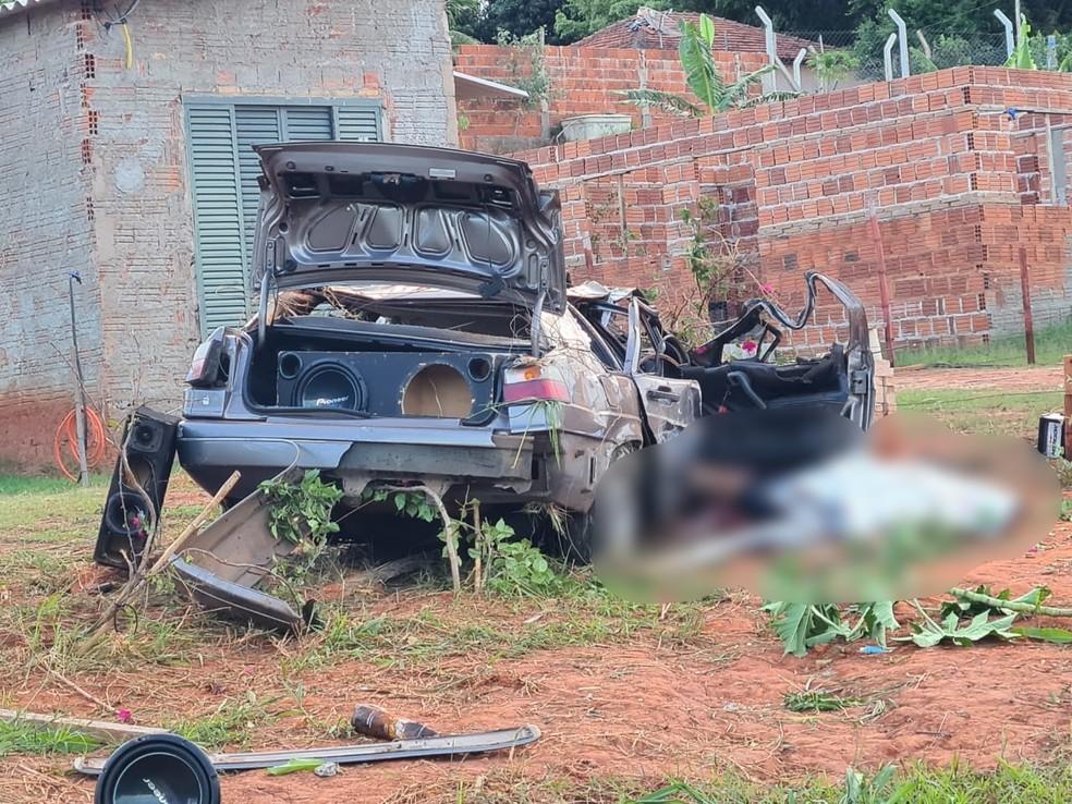 Homem morre em acidente na vicinal Pioneiro Antônio Louvato, em Tupã — Foto: João Trentini/Divulgação