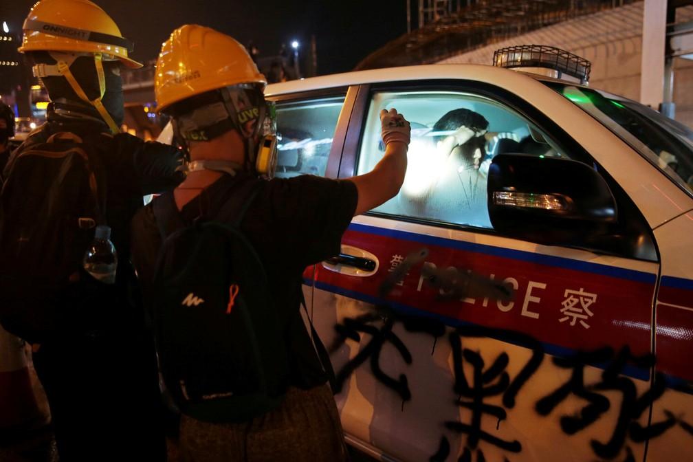 2019 08 04t160817z 1009485780 rc123aa5e4c0 rtrmadp 3 hongkong protests - Hong Kong tem nova confusão em manifestações; China diz que vai agir