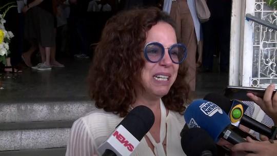 Familiares e amigos se despedem de Miúcha no Rio de Janeiro