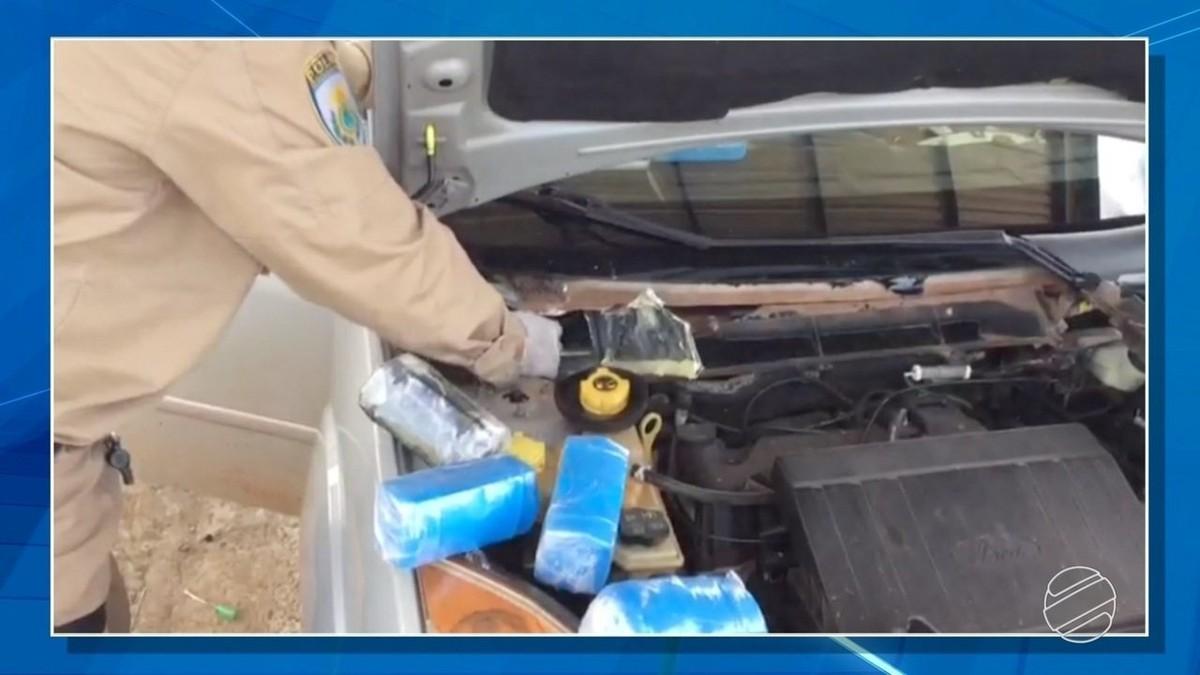 Polícia apreende R$ 295 mil em dinheiro em fundo falso de carro em MS