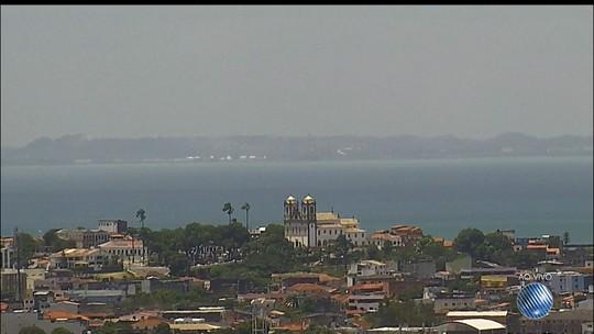Após chuva, rachadura provoca interdição de parte da BR-242 no oeste da Bahia