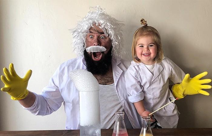 Sholom Ber Solomon e sua filha Zoe (Foto: Reprodução/Instagram/sbsolly)