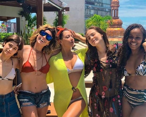 Luisa Arraes, Giovanna Antonelli, Fabiula Nascimento, Letícia Colin e Roberta Rodrigues (Foto: Reprodução/Instagram)