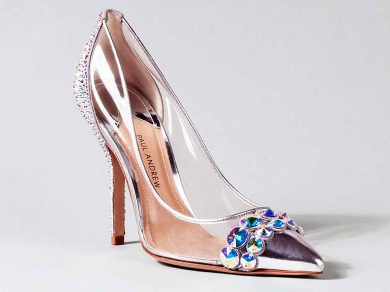 54034fab1 Paul Andrew – Para criar o sapato-desejo das mulheres, o designer escolheu o