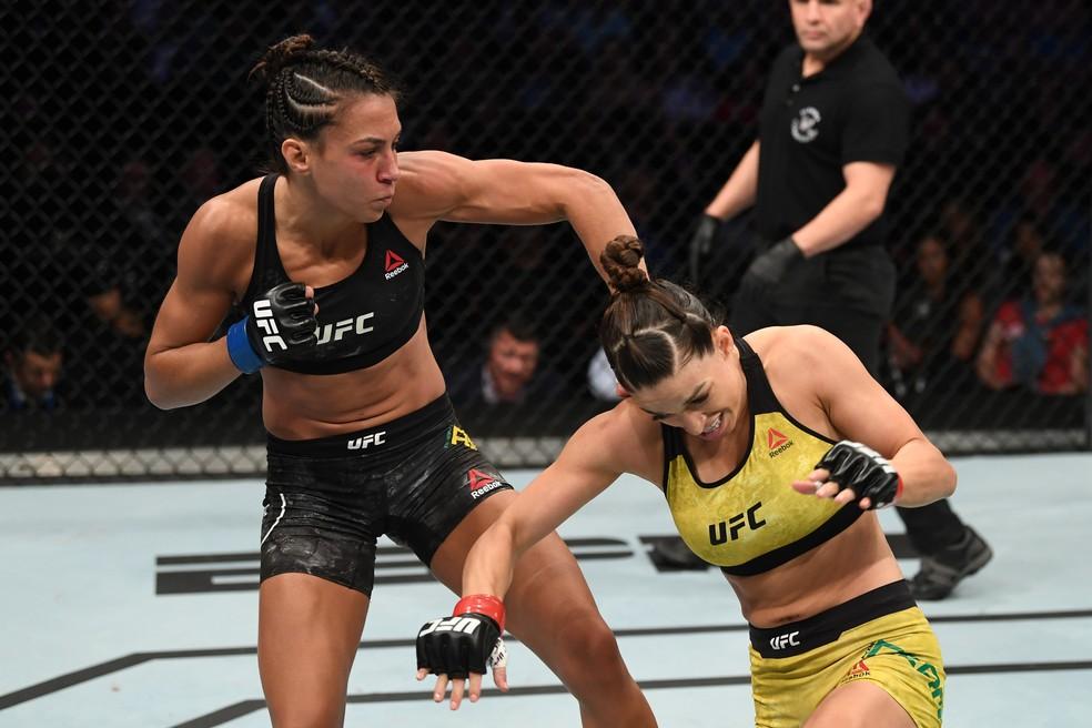 Amanda Ribas bateu Mackenzie Dern por decisão unânime dos juízes — Foto: Josh Hedges / Getty Images