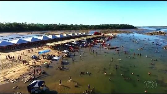 Praia conhecida como 'Ilha de Caras' atrai até turistas estrangeiros no rio Tocantins
