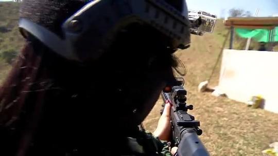 """Kriss Oliveira conta experiência de """"correspondente de guerra"""" no evento Warzone, em Arujá"""