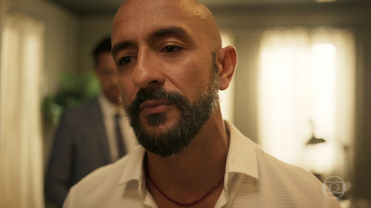 Álvaro não se conforma com mentira de Verena