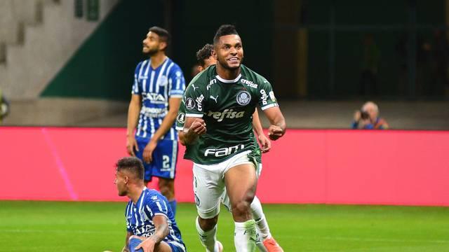 Borja comemora o segundo gol do Palmeiras na partida