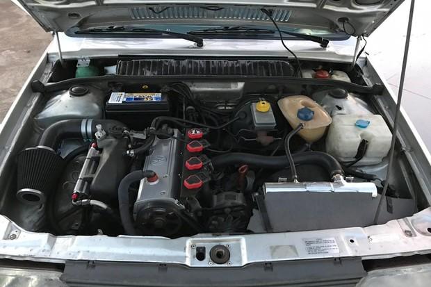 Motor 1.8 S tem a mesma preparação do Gol GTS, mas com uma pitada de tabasco (Foto: Henrique Almeida/Reprodução)