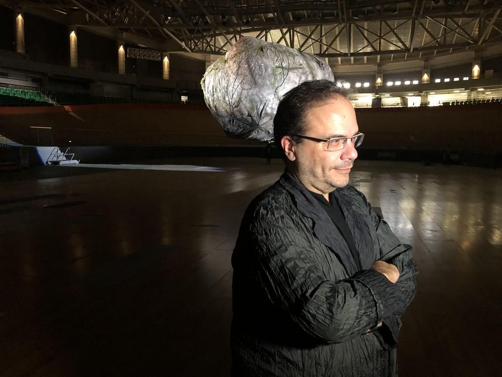 Curador do espaço NAVE, Marcelo Dantas. — Foto: Carlos Brito