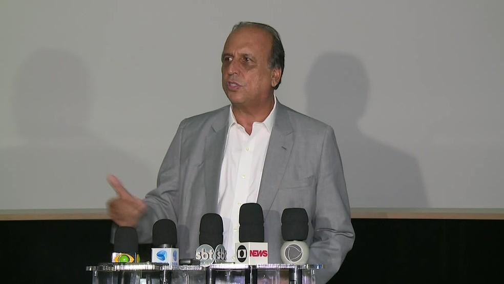 """Governador Luiz Fernando Pezão disse que o Rio está """"voltando à vida normal"""" — Foto: Reprodução/ Tv Globo"""