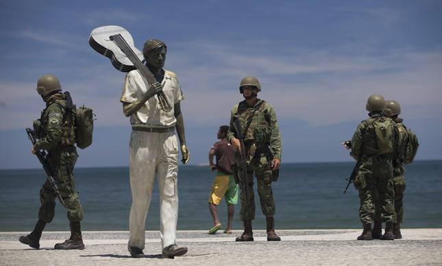 Polícia cerca narcotráfico no Rio de Janeiro