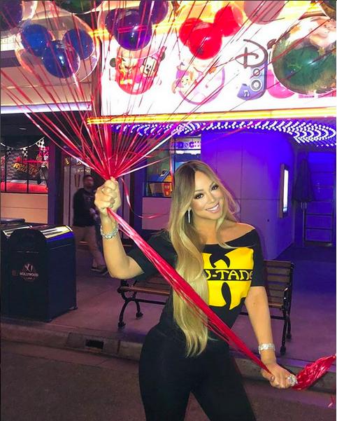 A cantora Mariah Carey celebrando seu aniversário na Disney (Foto: Instagram)