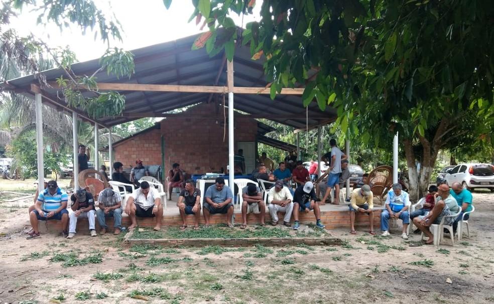 Apostadores foram conduzidos à Delegacia Regional  (Foto: Polícia Militar Ambiental/ Divulgação)