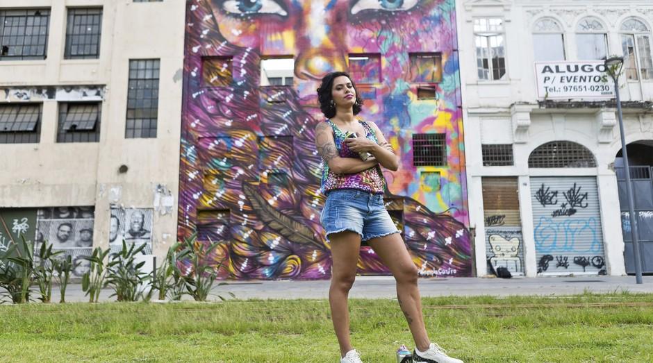 Panmela Castro, que ganhou a fama como Anarkia Boladona: grafites feministas e campanhas para Nike e Avon (Foto: Anna Fischer)