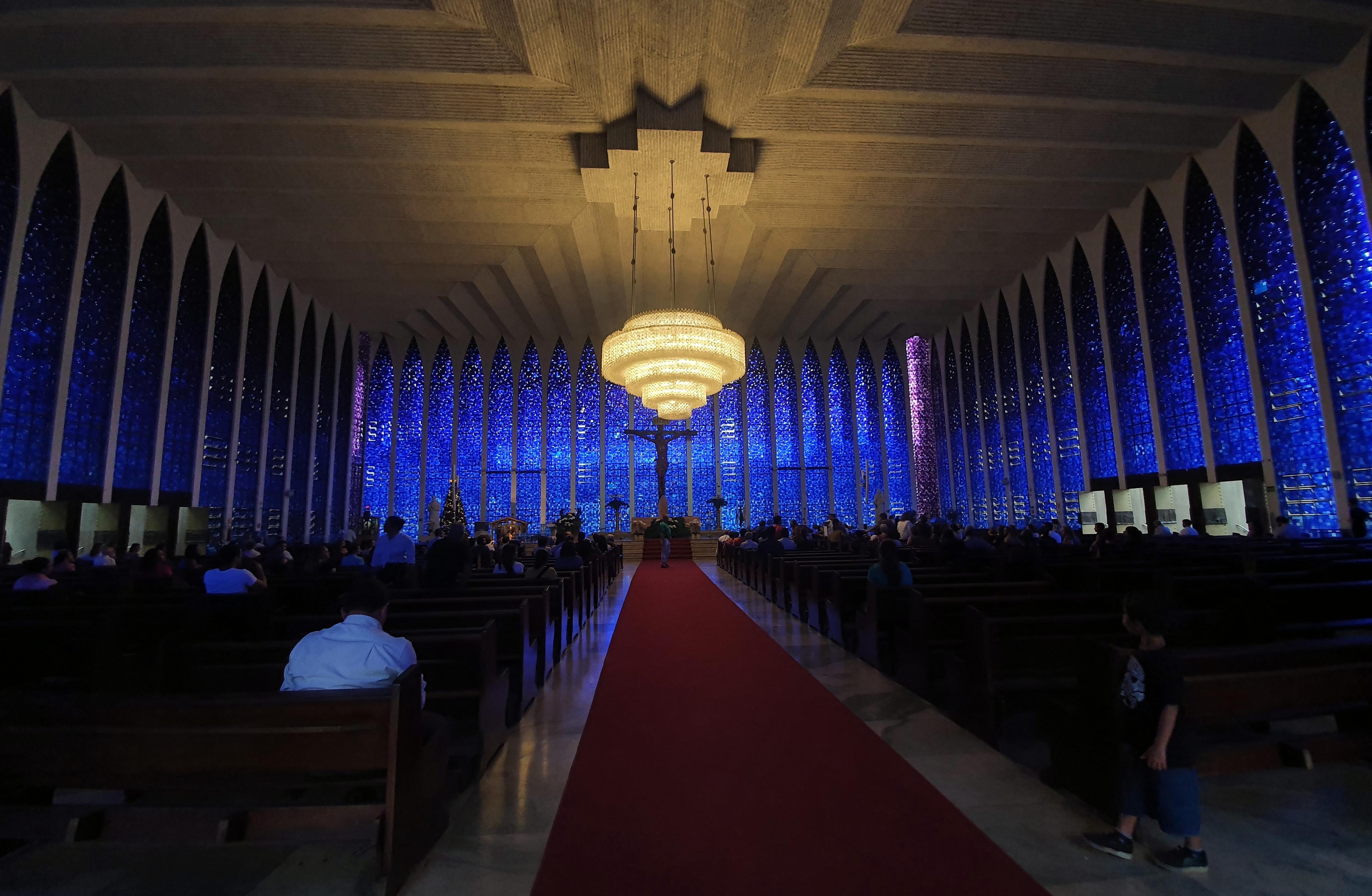 Aniversário de 50 anos do Santuário Dom Bosco tem tour virtual para visitar igreja, em Brasília