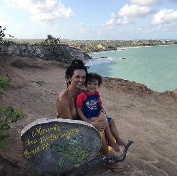 Suzana Alves e filho (Foto: Reprodução/Instagram)