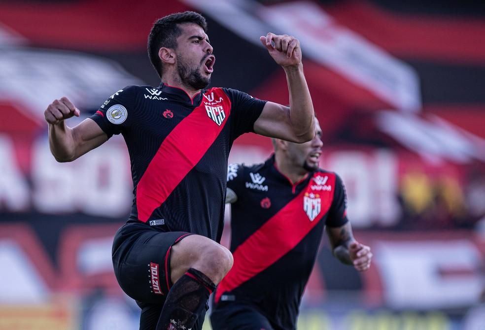 Zé Roberto, atacante do Atlético-GO — Foto: Heber Gomes/ACG