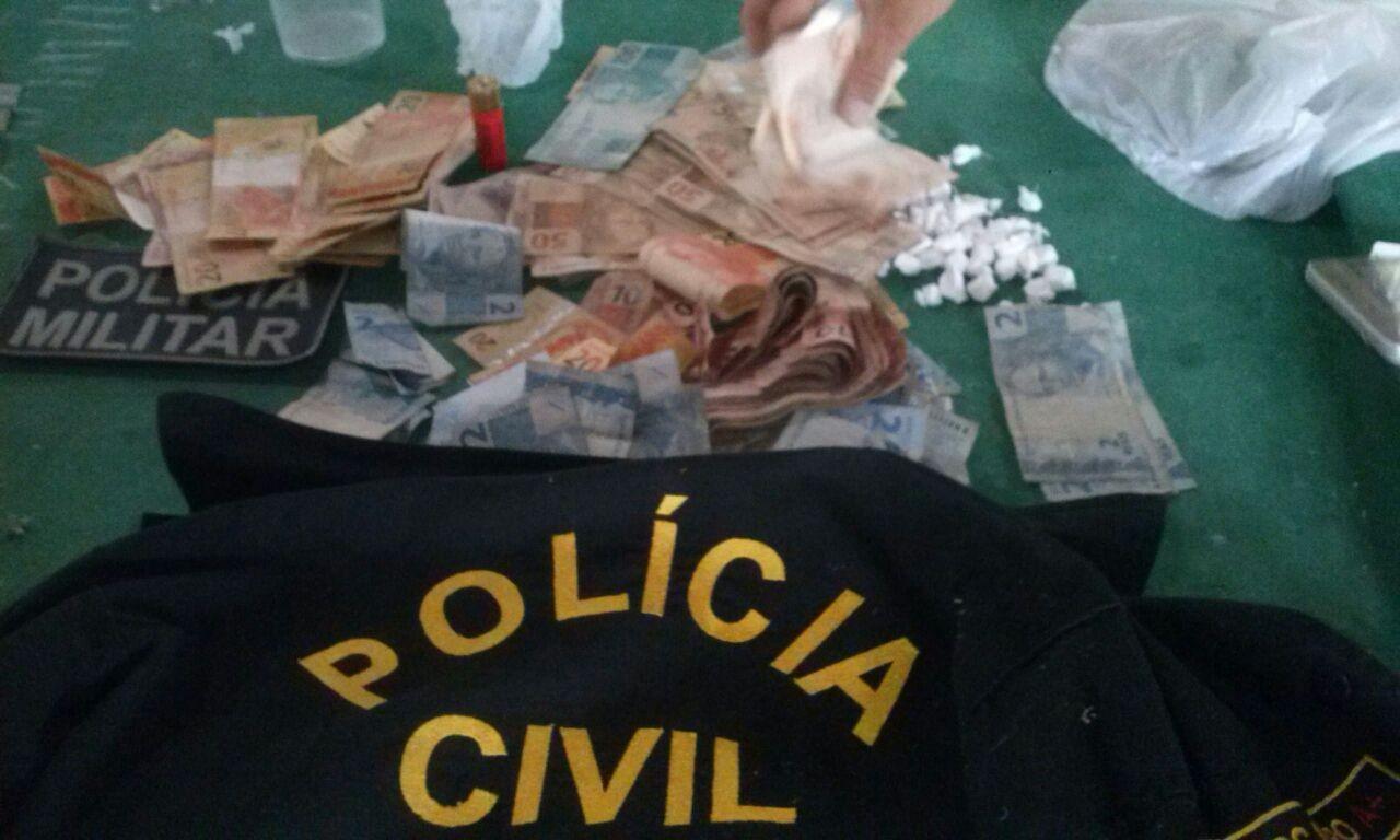 Operação da Polícia Civil apreende drogas e dinheiro em cidade do interior do Acre