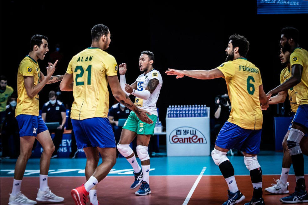 Brasil festeja ponto contra a Bulgária — Foto: Divulgação