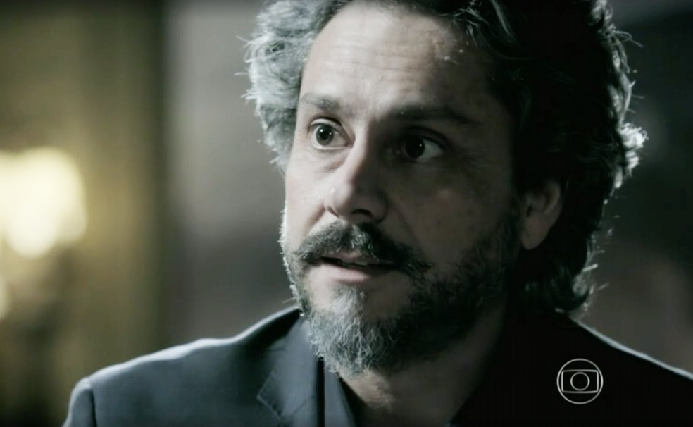 José Alfredo (Alexandre Nero) decide quem vai comandar a sua empresa em 'Império' — Foto: Globo
