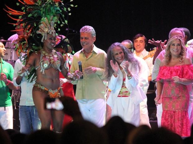 Chico Buarque, Maria Bethânia e Rosemary em show no Rio (Foto: Thyago Andrade/ Brazil News)