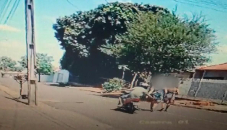 Dez mulheres registram queixa por importunação sexual em Ibiporã após divulgação de vídeo de motociclista passando a mão em vítimas