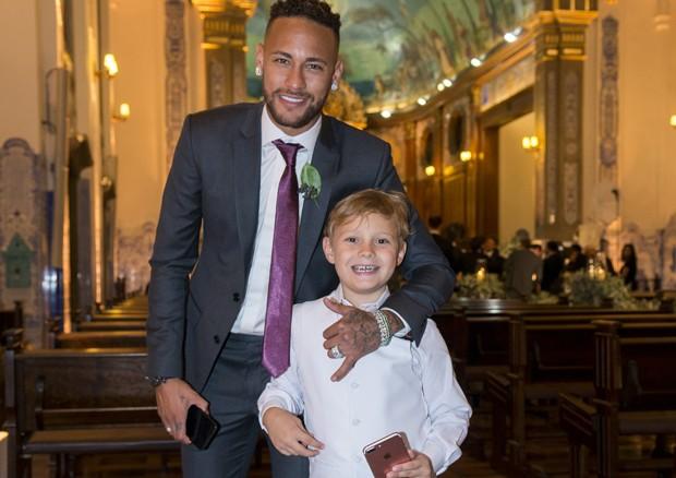Neymar e o filho, Davi Lucca (Foto: Paulo Santos)