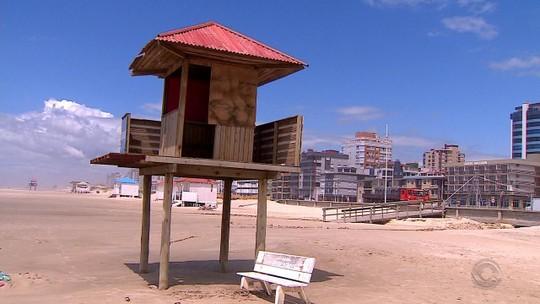 Capão da Canoa e Atlântida esperam receber 800 mil turistas no Réveillon; confira as condições das praias