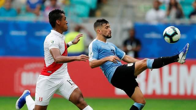 Arrascaeta em ação pelo Uruguai contra o Peru