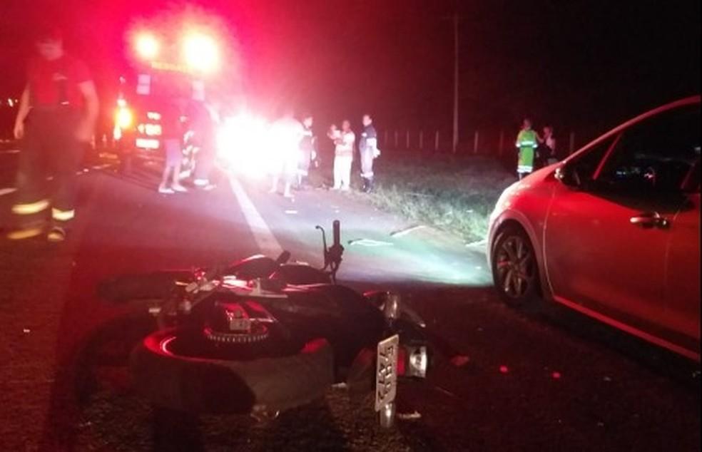 Acidente na Rodovia SP-255, em Araraquara, deixou dois jovens mortos  — Foto: ACidadeON/Araraquara