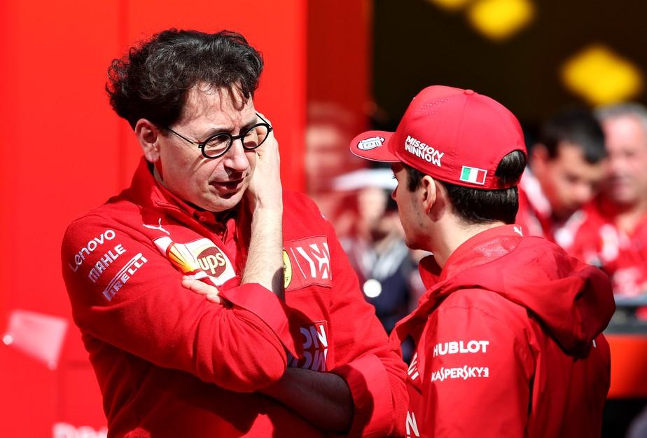 Ferrari explica por que não alertou Leclerc sobre punição de Vettel: