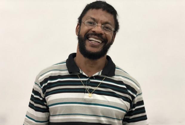 Nill Marcondes como Martinho da Vila (Foto: Divulgação)