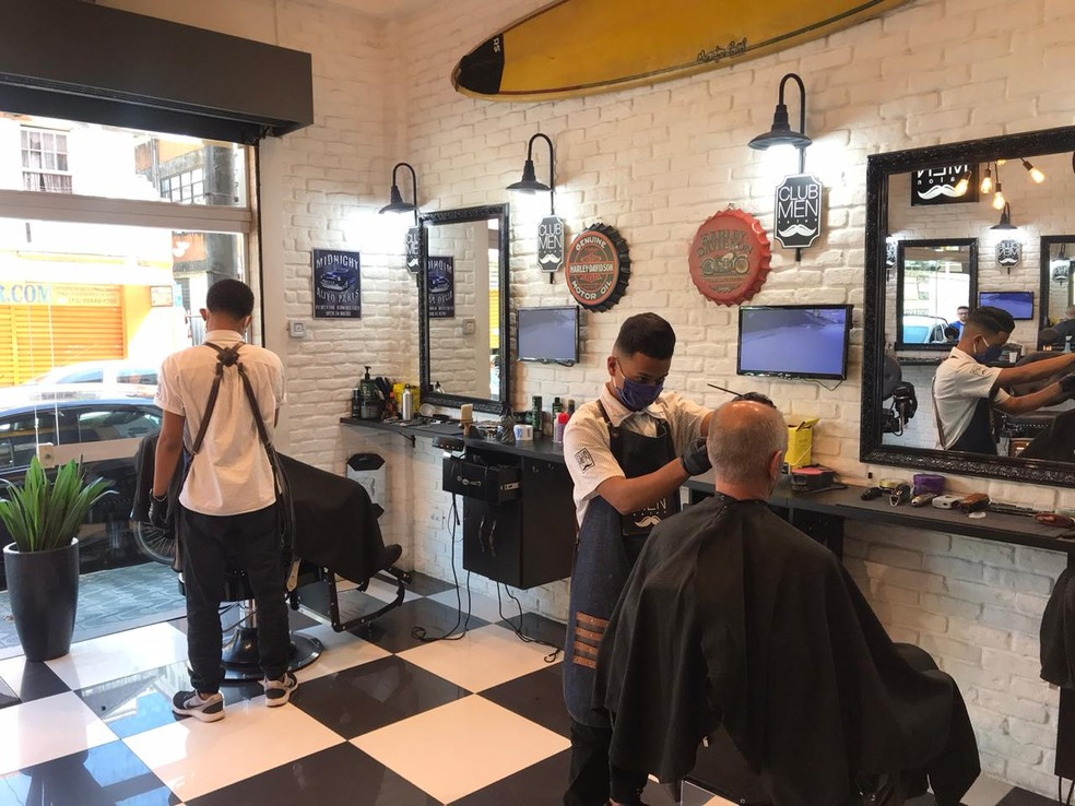 Se aprovado, projeto de lei classificará salões de beleza como serviço essencial durante pandemia. — Foto: Divulgação/Club Men Salon